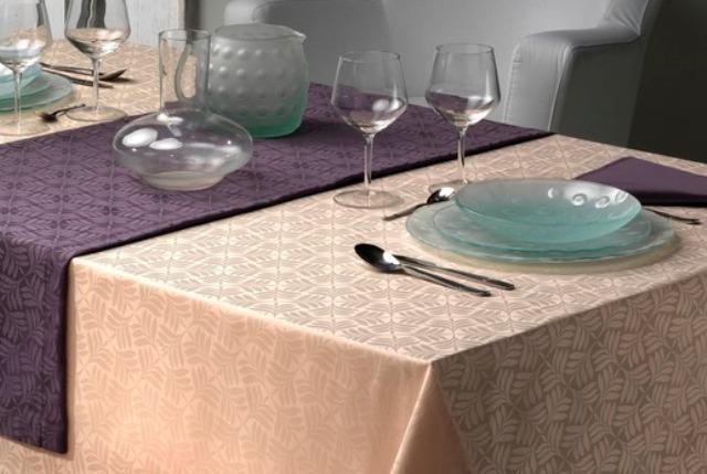 NAPPE SUR MESURE Gamme CHOLET Anti taches teflon 100% Polyester laize 320cm