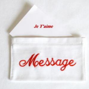 Pochette amovible pour délivrer un message, un mot doux.